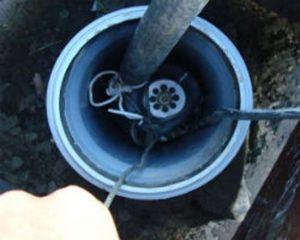 kak vytashhit nasos iz skvazhiny 1 300x240 Извлечение из скважины утопленных насосов и других посторонних предметов